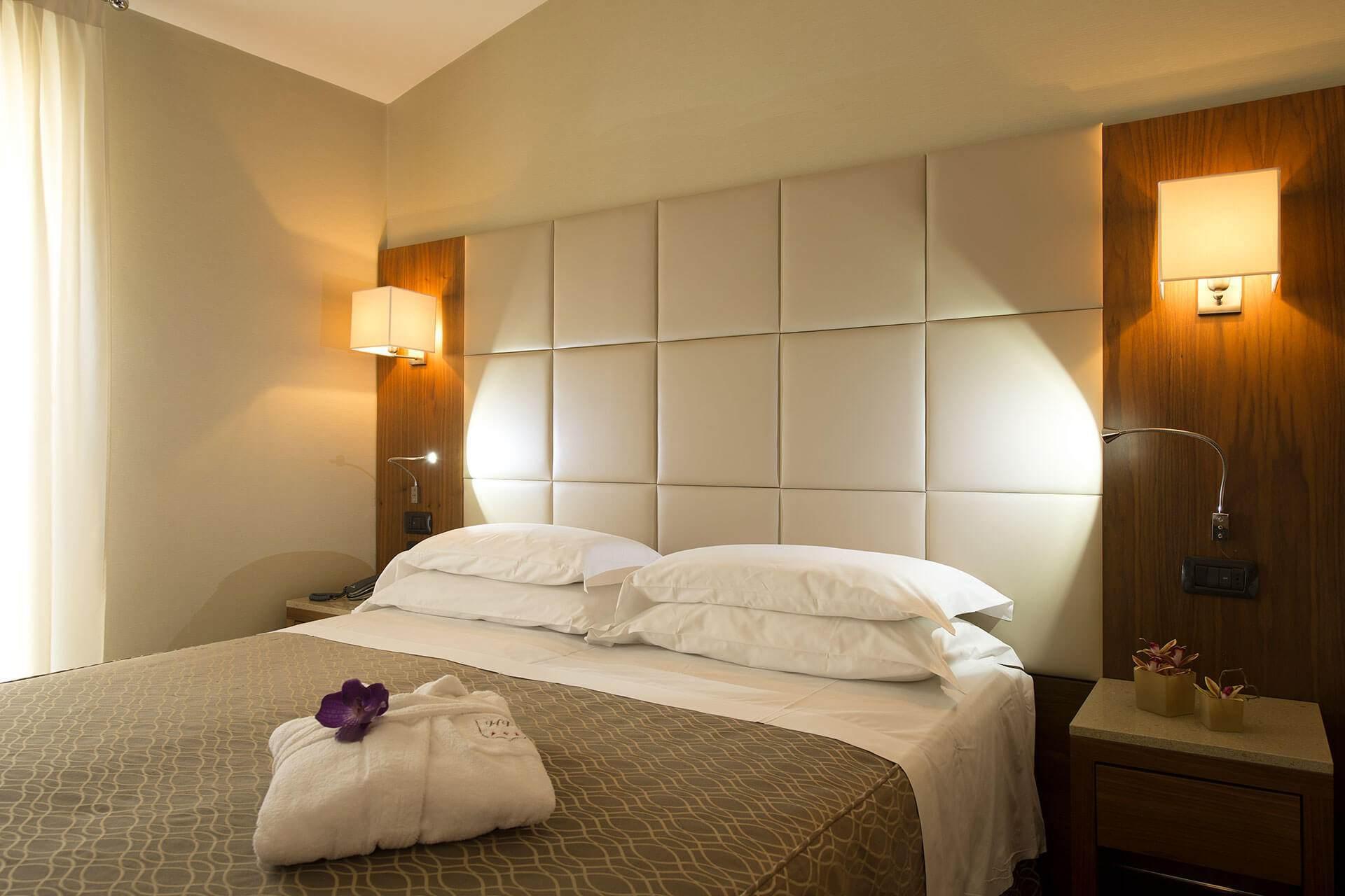 Camere hotel fenice milano for Hotel fenice milano