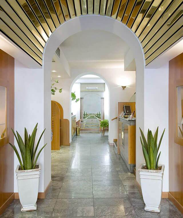 Hotel fenice milan official site hotel close to porta for Hotel the best milano